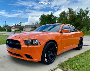 2014 Dodge Charger - 20x9.5 18mm - Voxx Replicas Hellcat 2 - Stock Suspension - 255/45R20