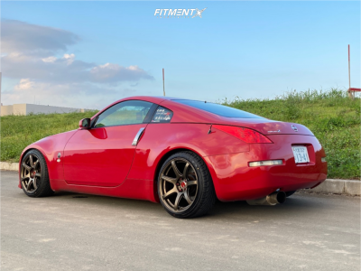 2005 Nissan 350Z - 18x8.5 30mm - Work Emotion T7r - Coilovers - 225/40R18