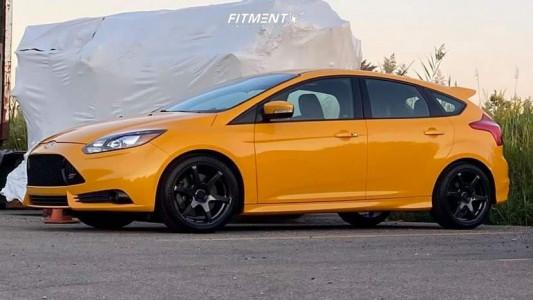 2014 Ford Focus - 18x8 43mm - Konig Tandem - Stock Suspension - 235/45R18