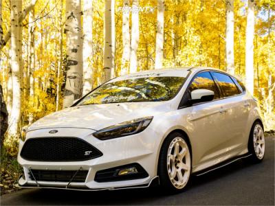 2018 Ford Focus - 19x8.5 42mm - Rotiform Kb1 - Lowering Springs - 235/35R19