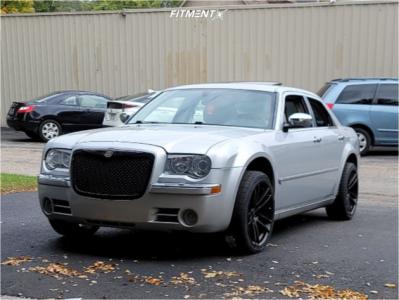 2005 Chrysler 300 - 20x9 26mm - Voxx Hellcat Reps - Stock Suspension - 255/35R20