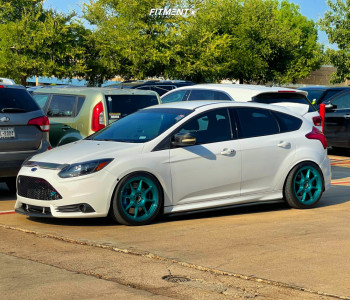 2014 Ford Focus - 18x8.5 35mm - Konig Lockout - Coilovers - 235/40R18
