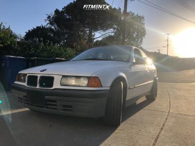 1992 BMW 318i - 17x8 32mm - Motegi Mr118 - Stock Suspension - 235/45R17