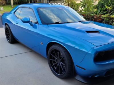 2016 Dodge Challenger - 20x10 13mm - Ferrada Fr4 - Stock Suspension - 255/35R20