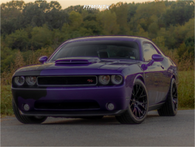 2014 Dodge Challenger - 20x10 25mm - OE Performance 161 - Stock Suspension - 275/40R20