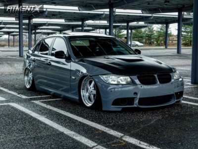 2009 BMW 328xi - 18x8.5 30mm - ESR SR04 - Air Suspension - 215/35R18