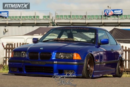 1995 BMW 323i - 16x8.5 11mm - AMG Penta - Coilovers - 195/40R16