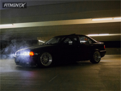 1994 BMW 318i - 17x9.5 20mm - ESR Sr05 - Coilovers - 225/45R17