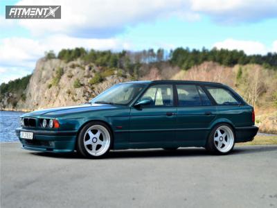 1994 BMW 540i - 18x9 5mm - OZ Racing Futura - Coilovers - 225/40R18