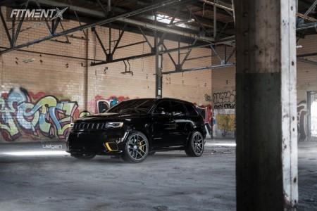2018 Jeep Grand Cherokee - 22x10.5 35mm - Velgen Vmb5 - Lowering Springs - 305/35R22