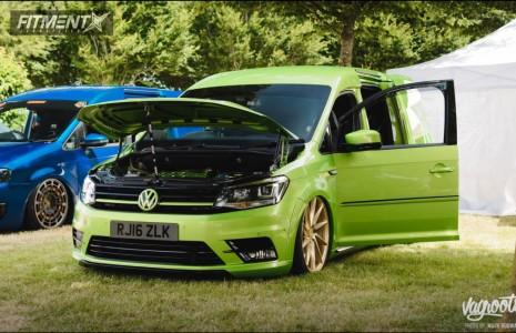 2016 Volkswagen EuroVan - 20x8.5 44mm - Vossen Cvt - Air Suspension - 235/30R20