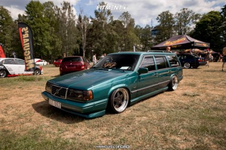 1994 Volvo 940 - 17x9 -19mm - OZ Racing Futura - Air Suspension - 225/35R17