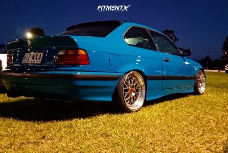1995 BMW 318i - 18x8.5 30mm - ESR Sr01 - Coilovers - 215/35R18