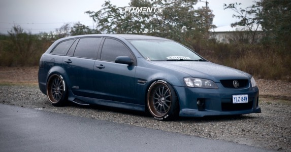 2008 Holden Commodore - 20x10 22mm - Heritage Hokkaido - Coilovers - 235/35R20