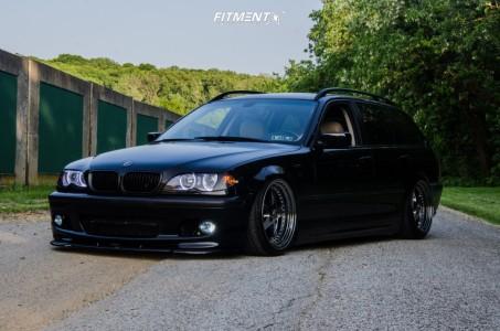 2005 BMW 325xi - 18x9.5 22mm - ESR SR04 - Air Suspension - 225/35R18