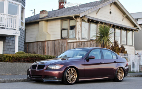 2006 BMW 325i - 18x8.5 35mm - Cosmis Racing R1 - Coilovers - 205/40R18