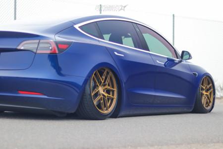 2018 Tesla 3 - 19x9.5 30mm - XO Cairo - Air Suspension - 245/40R19