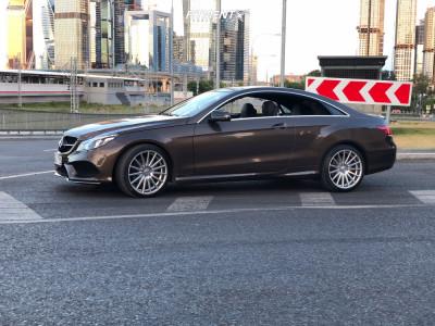 2015 Mercedes-Benz E250 - 19x8.5 45mm - Vossen Vfs2 - Stock Suspension - 245/30R19