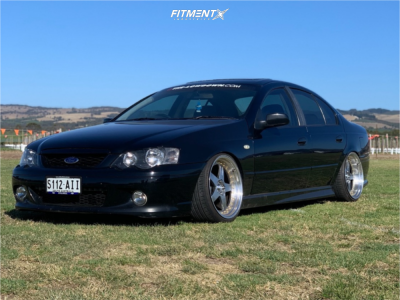 2004 Ford Falcon XR6 - 19x9.5 25mm - Rotiform Roc - Coilovers - 235/35R19