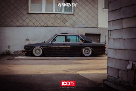 1985 BMW 535i - 17x8.5 11mm - BBS Rs - Air Suspension - 205/40R17