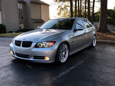 2006 BMW 330i - 19x8.5 35mm - Apex Arc-8 - Coilovers - 235/35R19