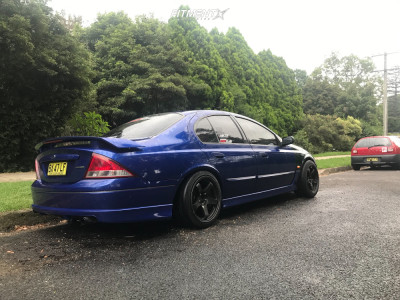 2002 Ford Falcon XR6 - 17x9 35mm - Rota Grid - Coilovers - 235/45R17