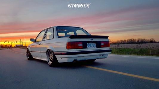 1991 BMW 318is - 16x8 0mm - Fifteen52 Formula Tr - Air Suspension - 195/45R16
