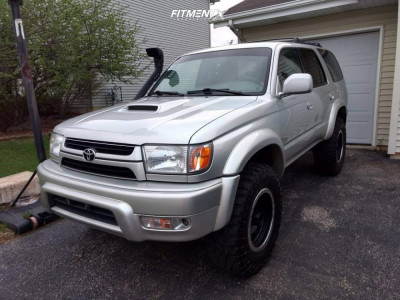 2001 Toyota 4Runner - 17x8.5 0mm - Method Double Standard - Lifted - 285/70R17
