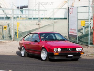 1984 Alfa Romeo GTV-6 - 16x8 20mm - Fifteen52 Evo Classics - Coilovers - 205/40R16
