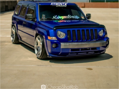 2007 Jeep Patriot - 20x10.5 15mm - MRR Vp3 - Coilovers - 225/35R20