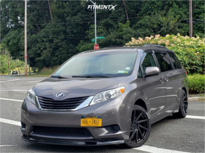2013 Toyota Sienna - 20x8.5 35mm - F1R F29 - Stock Suspension - 245/40R20