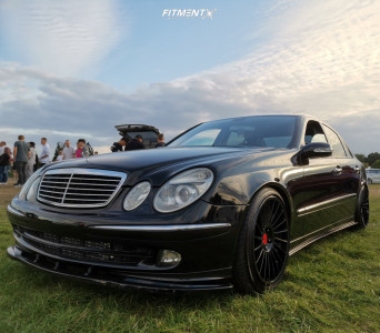 2006 Mercedes-Benz E320 - 19x8.5 35mm - Rotiform Ind-t - Coilovers - 235/45R19