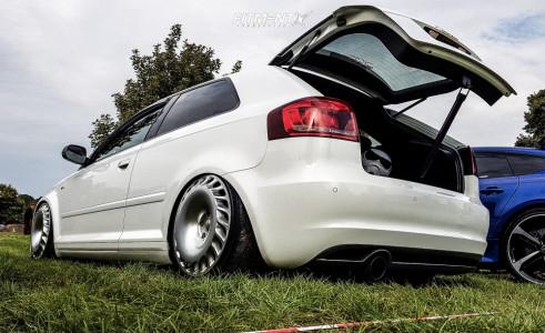 2010 Audi A3 - 18x8.5 45mm - Verein Sport Club One - Air Suspension - 215/40R18