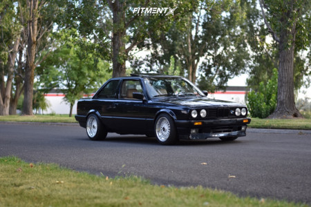 1989 BMW 325is - 16x8 27mm - BBS Rs - Coilovers - 215/45R16
