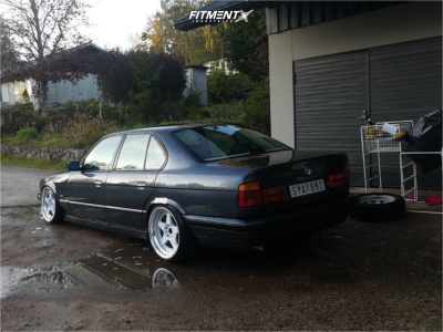 1995 BMW 525i - 18x9.5 22mm - Japan Racing Jr6 - Coilovers - 225/35R18