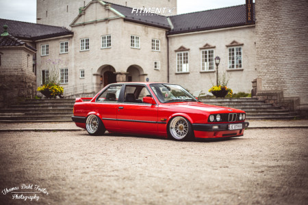 1990 BMW 325i - 16x9.5 0mm - WRD Mesh - Air Suspension - 195/40R16