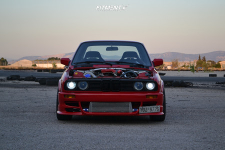 1989 BMW 318i - 17x8 25mm - Japan Racing Jr10 - Coilovers - 215/40R17
