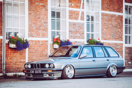 1989 BMW 325i - 16x9 15mm - Borbet Type A - Air Suspension - 195/40R16