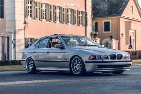 2001 BMW 525i - 18x8.5 13mm - Rondell 0058 - Air Suspension - 215/45R18