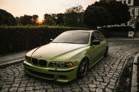 1999 BMW 528i - 19x8.5 35mm - Japan Racing Jr21 - Air Suspension - 235/40R19