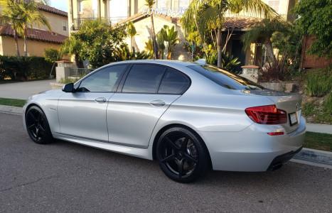 2016 BMW 550i - 20x9 32mm - Velgen Classic5 - Stock Suspension - 255/35R20