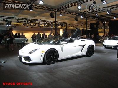 2004 Lamborghini Gallardo - 19x8.5 41.9mm - Stock Stock - Stock Suspension - 235/35R19