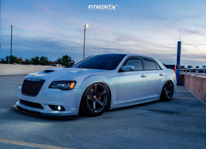 2012 Chrysler 300 - 20x9.5 15mm - Factory Reproductions FR77 - Air Suspension - 275/40R20