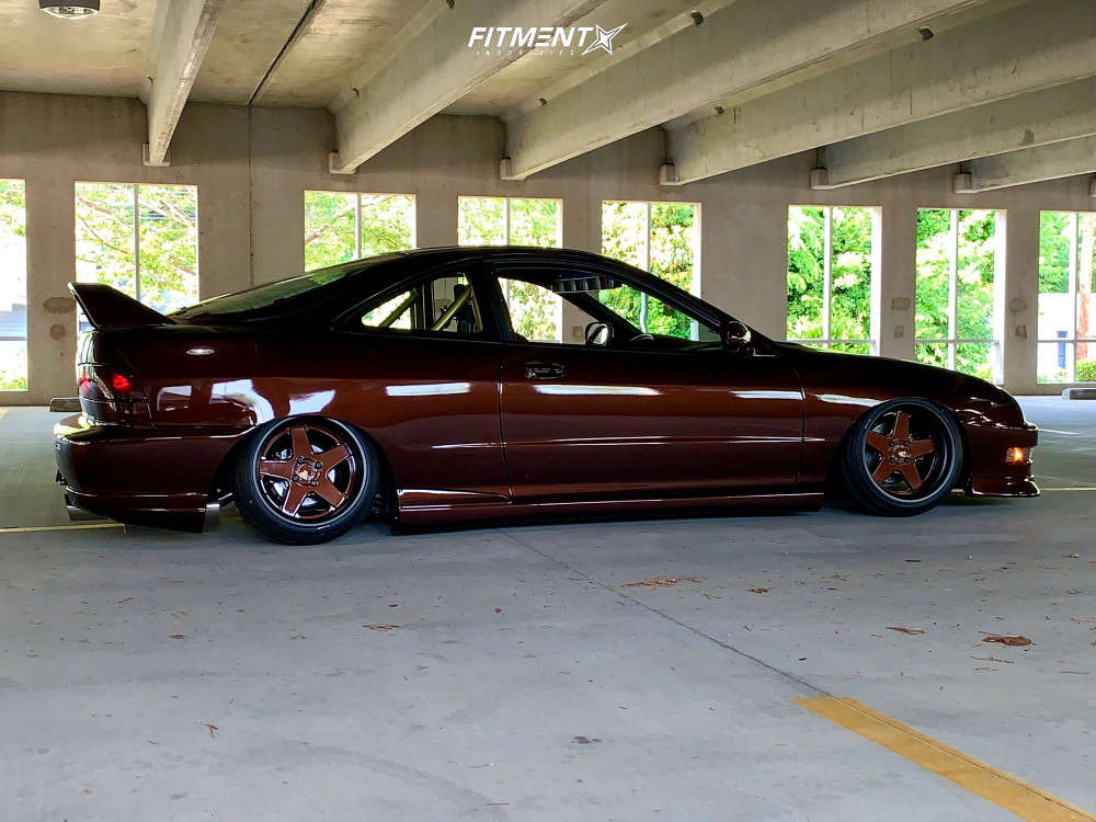 Tucked 2000 Acura Integra with 16x9.5 Avant Garde F130 & Federal 595 Evo 195/40 on Air Suspension - Fitment Industries Gallery