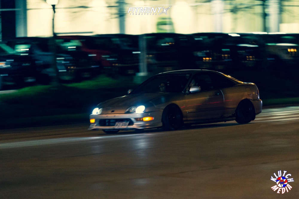 Flush 2000 Acura Integra with 15x8.25 XXR 527 & Ironman Imove 195/50 on Coilovers - Fitment Industries Gallery