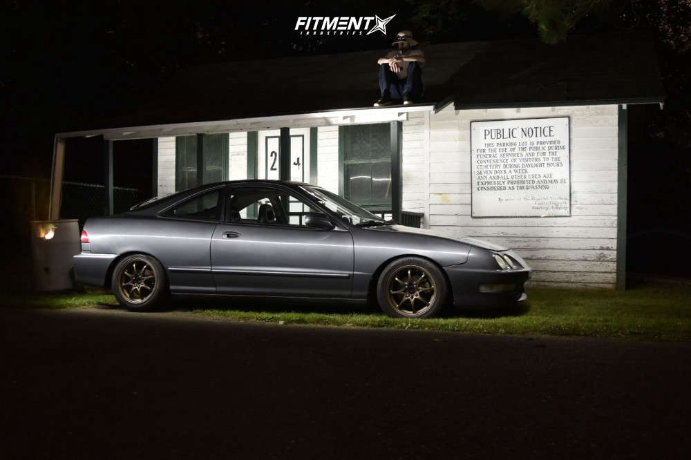 Tucked 2000 Acura Integra with 15x6.5 Konig Helium & Sunfull Sf-888 195/50 on Coilovers - Fitment Industries Gallery
