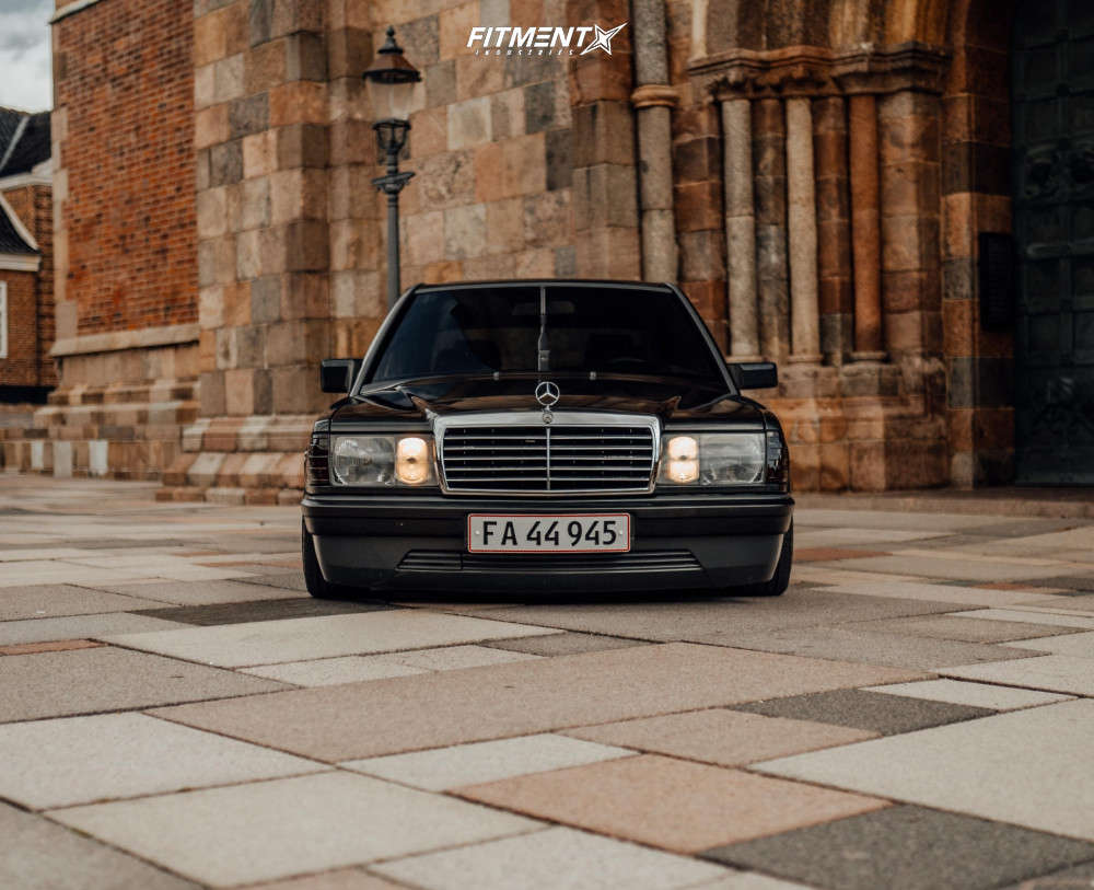 Flush 1986 Mercedes-Benz 190E with 17x8.5 OZ Racing Futura and Hankook Ventus V12 Evo 195/40 on Air Suspension - Fitment Industries Gallery