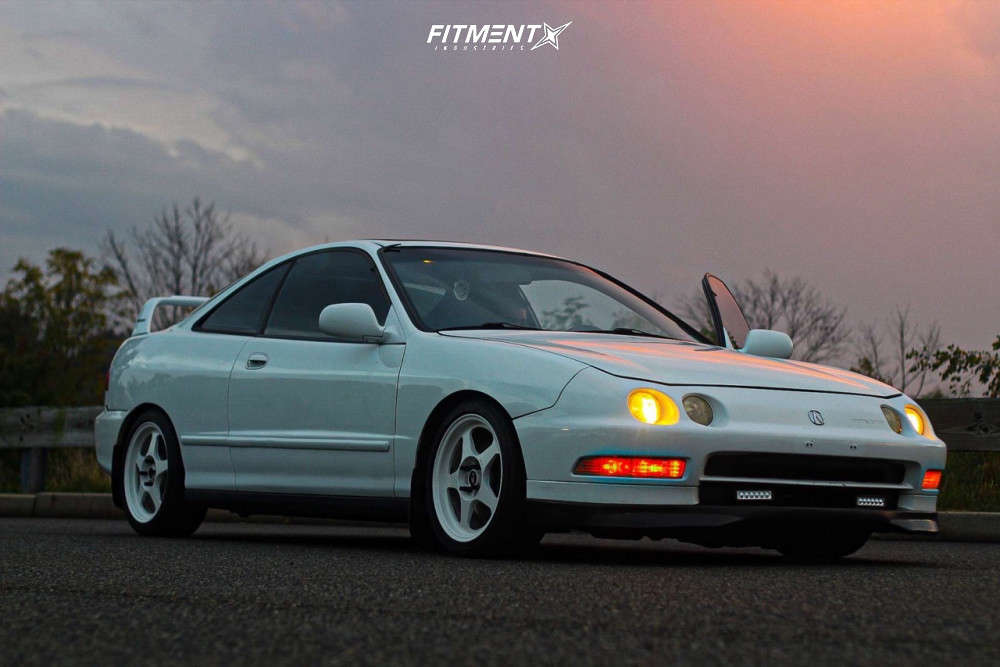 Tucked 1994 Acura Integra with 16x7 Rota Slipstreams & Federal 595 205/40 on Coilovers - Fitment Industries Gallery