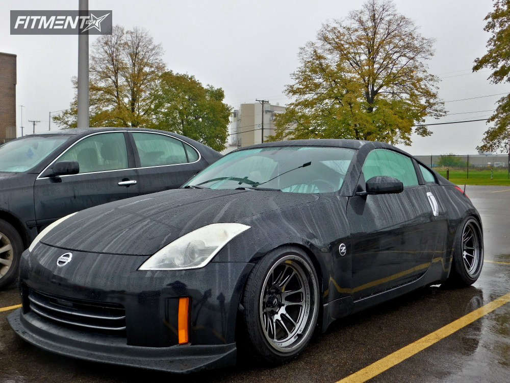 Nearly Flush 2006 Nissan 350Z with 18x11 Cosmis Racing XT-206R & Federal 595 Rs-r 255/35 on Coilovers - Fitment Industries Gallery