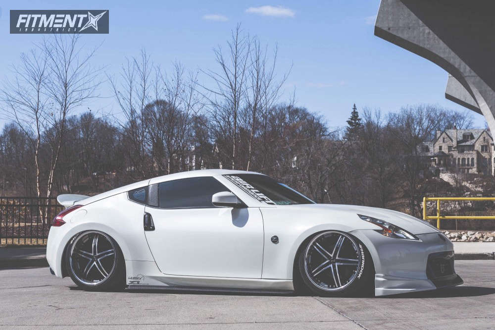 Tucked 2009 Nissan 370Z with 20x8.5 Vertini  & Hankook Ventus V12 Evo 2 285/30 on Air Suspension - Fitment Industries Gallery